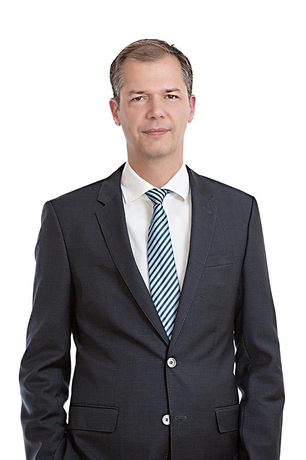 main-notar-portrait-alexander-schwenk