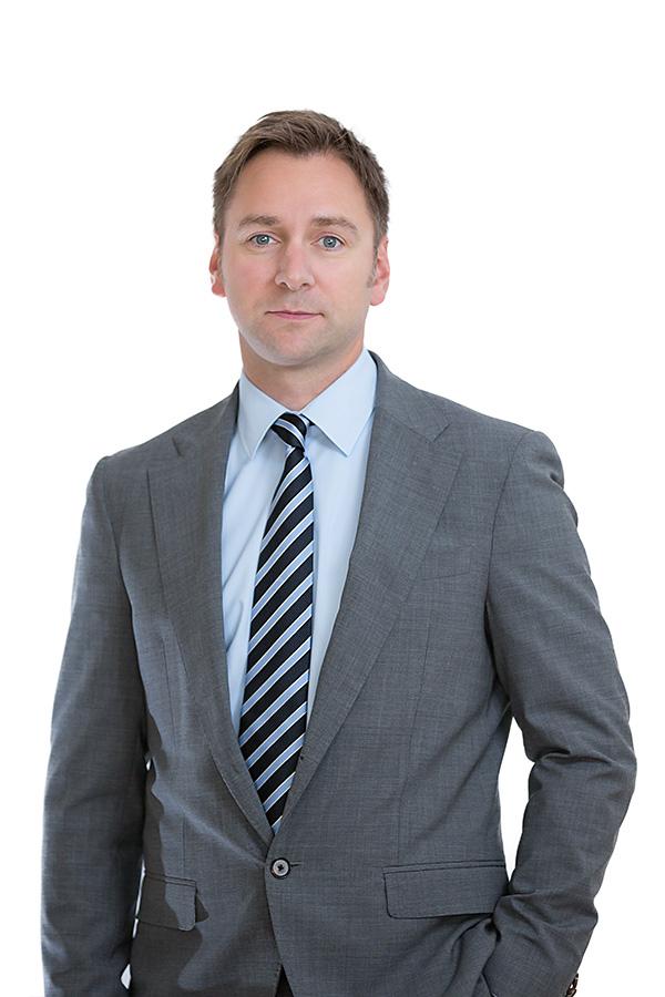 main-notar-portrait-frank-mueller